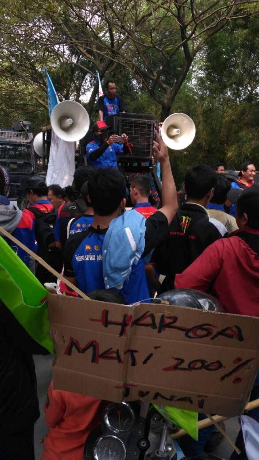 Demo buruh PT SRKI Kabupaten Tangerang