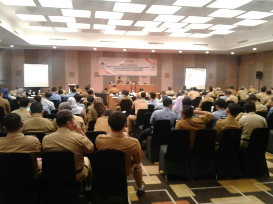 KPU Kabupaten Tangerang saat rapat koordinasi.