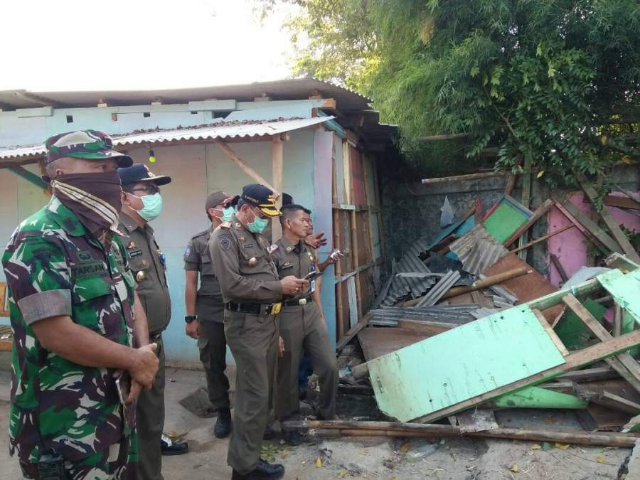 Penertiban bangli di Kali Perancis, Kecamatan Benda,Kota Tangerang.