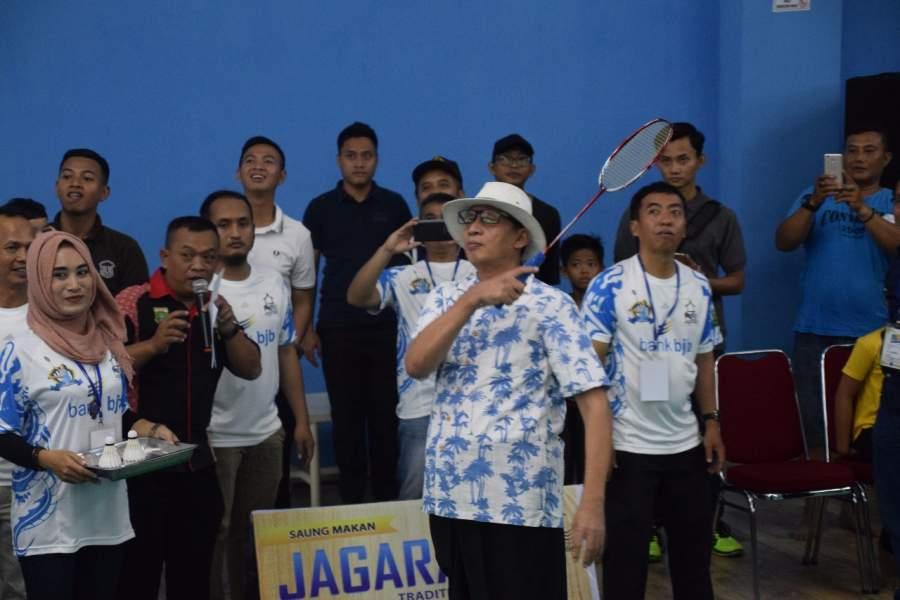 Gubernur Banten Wahidin Halim menutup Turnamen Gubernur Banten Open 2017.